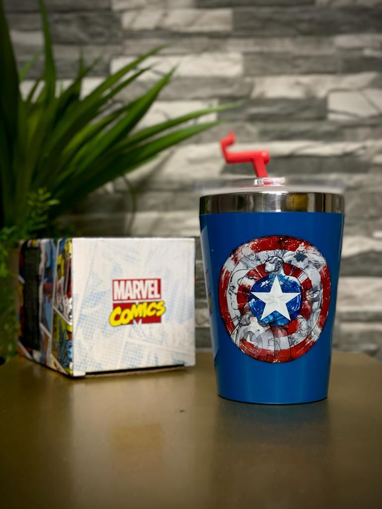 Copo Para Viagem Escudo Capitão América: Marvel Vingadores (300ml)