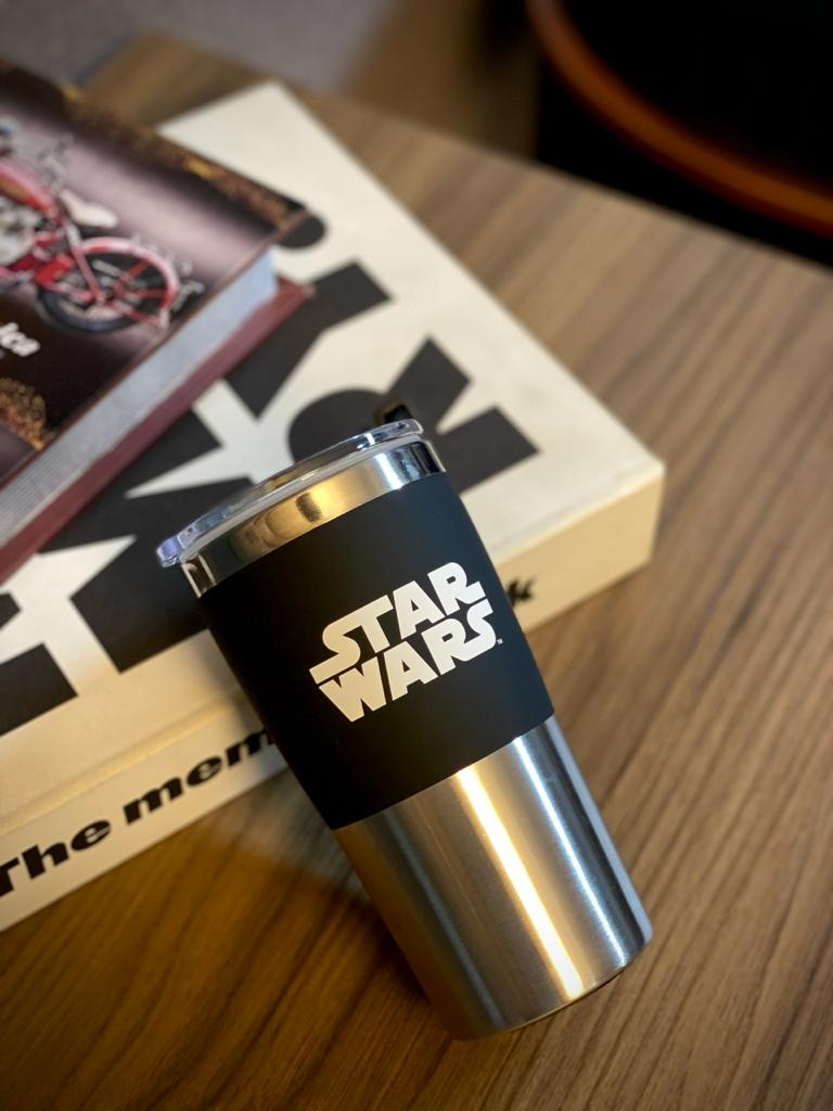 Copo Para Viagem ''The Force Is Strong'': Star Wars (450ml)