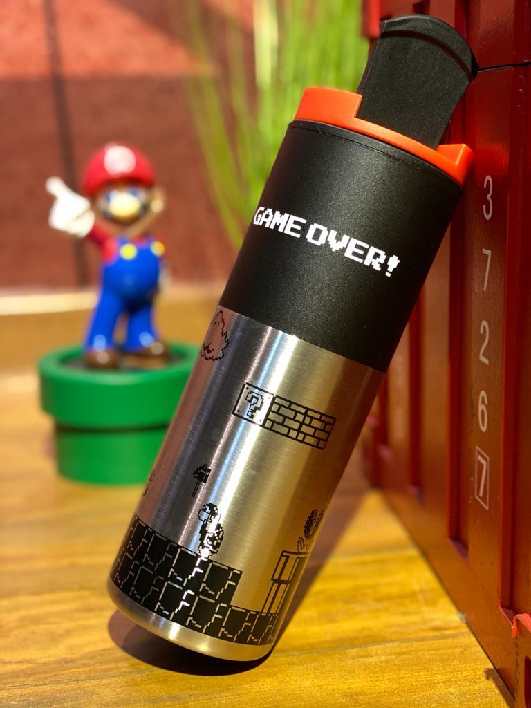 Copo Térmico para Viagem Game Over: Super Marios Bros (500ml) - Zona Criativa