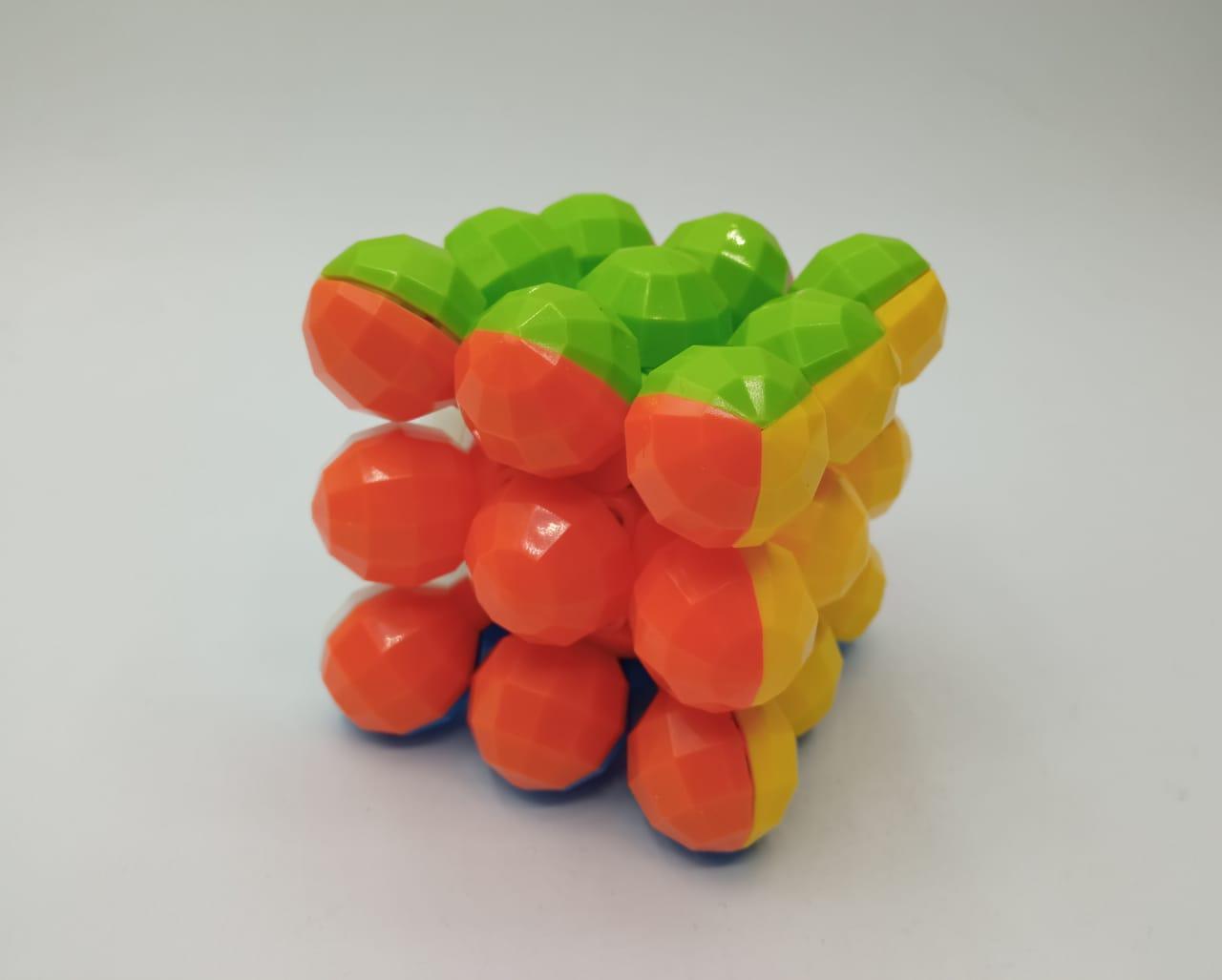 Cubo Magico: Esferas Poligonal Cube (LHO52B) - Magic Cube