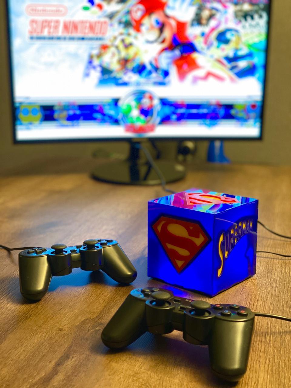 Cubo Retrô Box Super-Homem: Fliperama Arcade Game (20.000 Jogos) PlayStation/Nintendo/SNES/Mega Drive/Sega Saturn