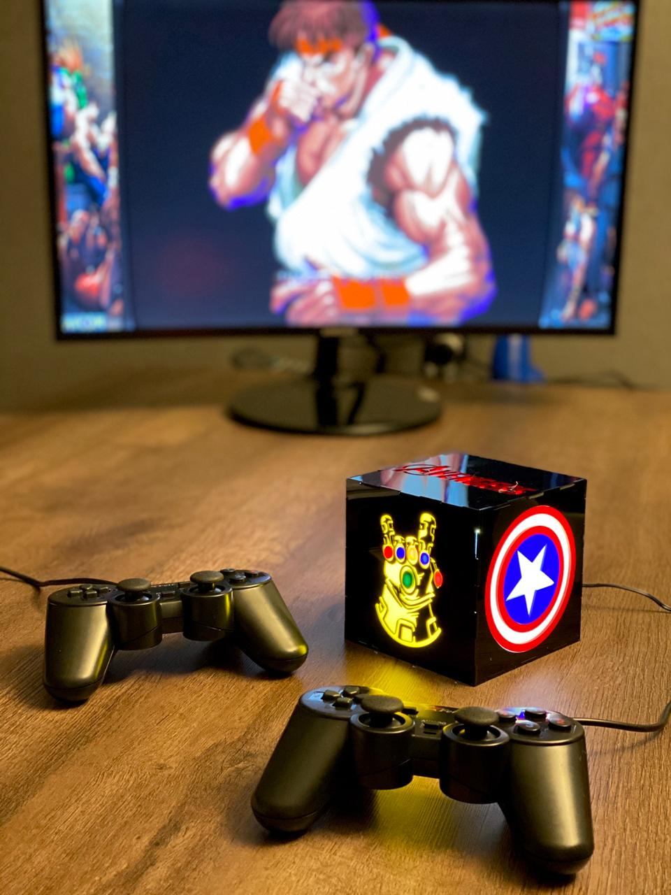 Cubo Retrô Box Vingadores (Avengers) Fliperama Arcade Game (20000 Jogos) PlayStation/Nintendo/SNES/MegaDrive/Sega Saturn
