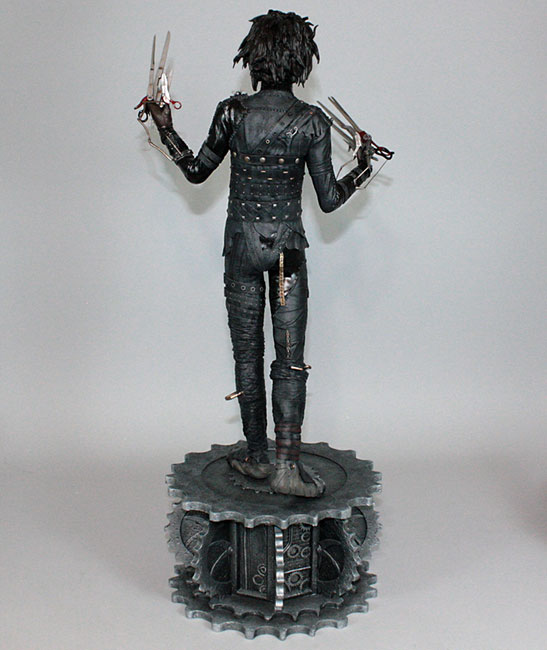 Estátua Edward Scissorhands (Mãos de Tesoura) Escala 1/4 - Hollywood Collectibles