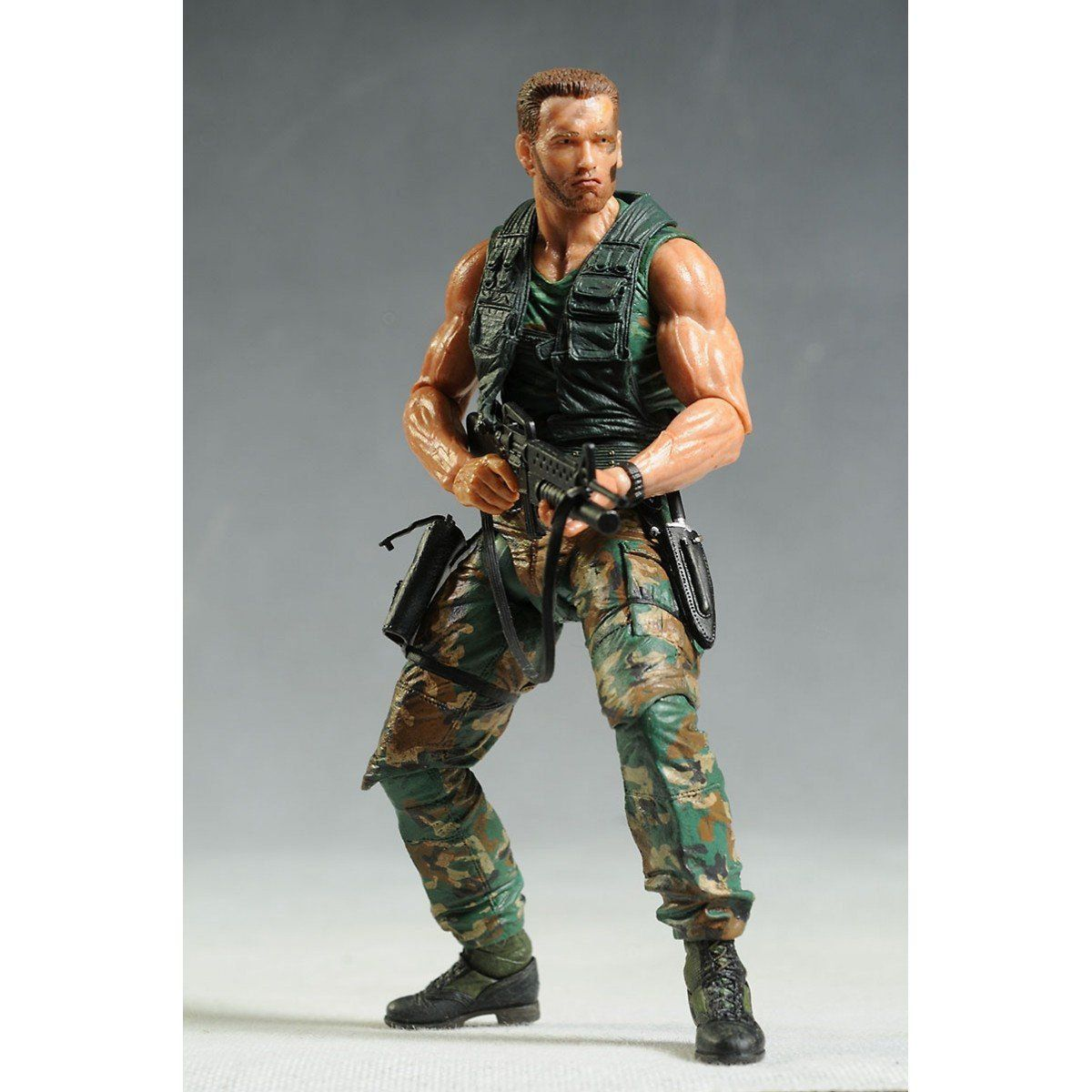 Boneco Jungle Patrol Dutch (Arnold Schwarzenegger): Predador / Predator 1987 30th Anniversary Series 9 - NECA