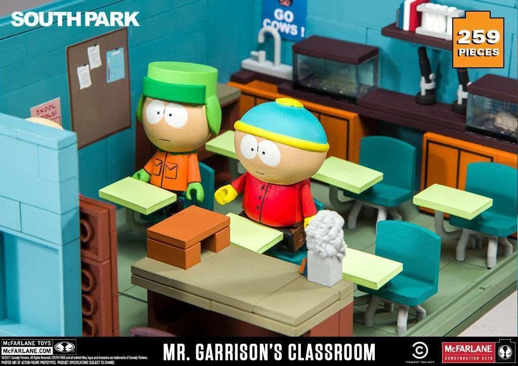 Set de Construção Sala de Aula South Park Cartman, Kyle e Mr. Garrison (Classroom Large Construction Set ) com 259 Peças - Mcfarlane Toys