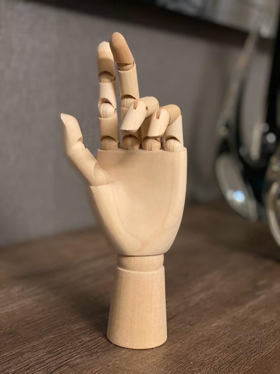 Enfeite de Madeira: Mão (15cm)
