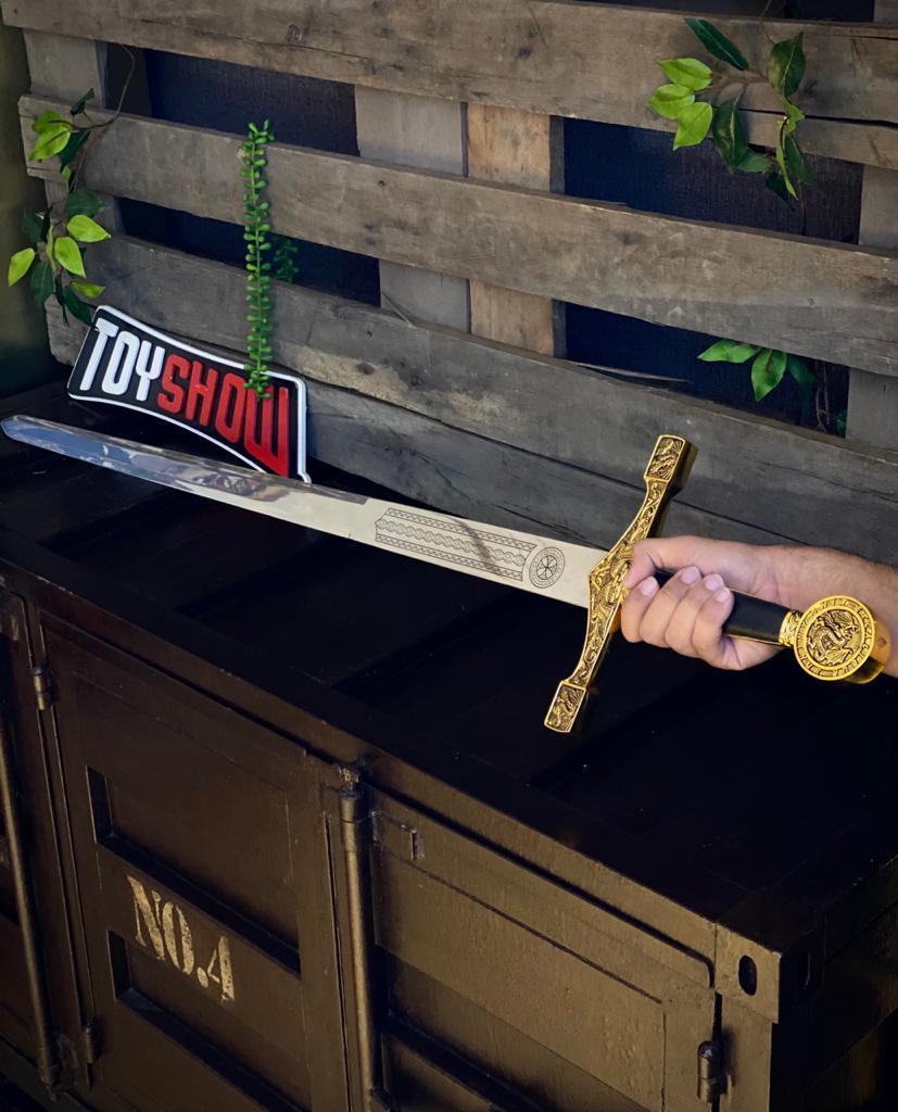 """Espada Medieval Excalibur """"Rei Arthur"""" Dourada e Prata (114cm)"""