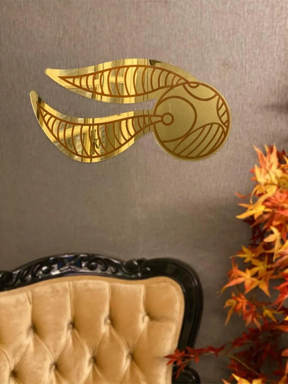 Espelho Acrílico Bola Dourada Voadora Bruxo