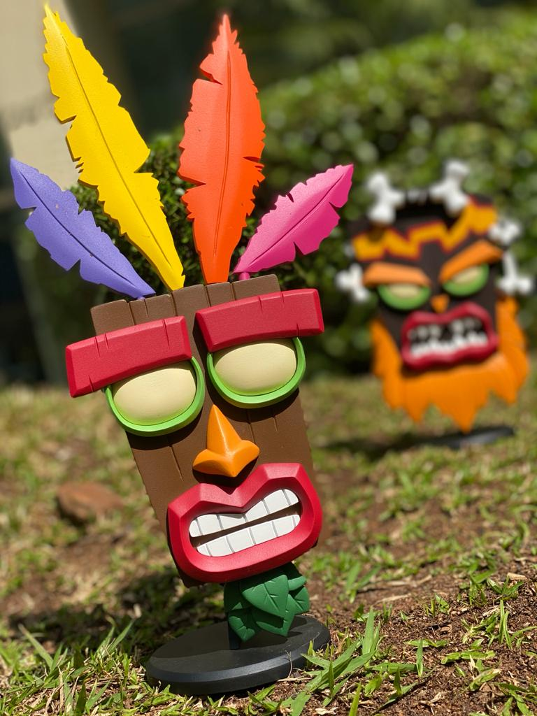Estátua Aku Aku: Crash Bandicoot
