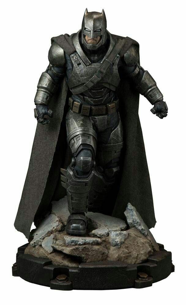 Estátua Armored Batman: Batman vs Superman: A Origem da Justiça (Premium Format) - Sideshow - CD