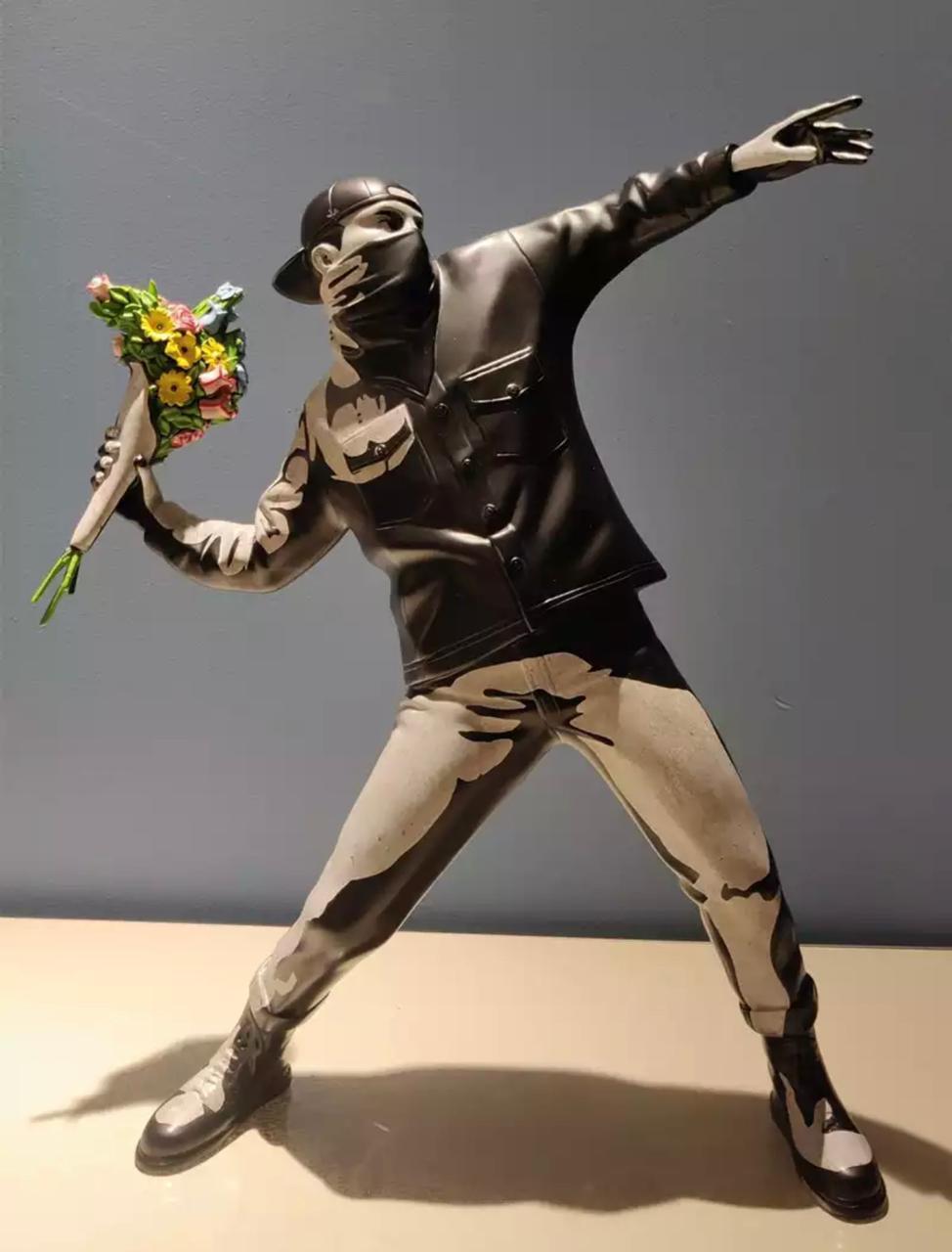 Estátua Arte moderna Banksy Bomber Flower polystone collectible Arte - Fanaic Studios - EV
