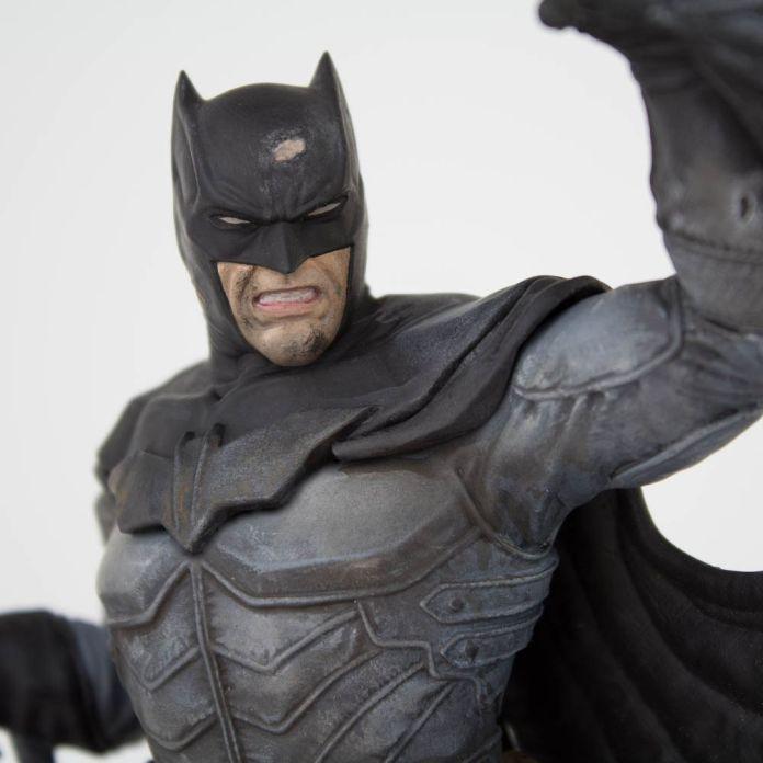 Estátua Batman Damned: Dc Comics (SDCC 2019 Exclusive) - Icon Heroes (Apenas Vendas Online)