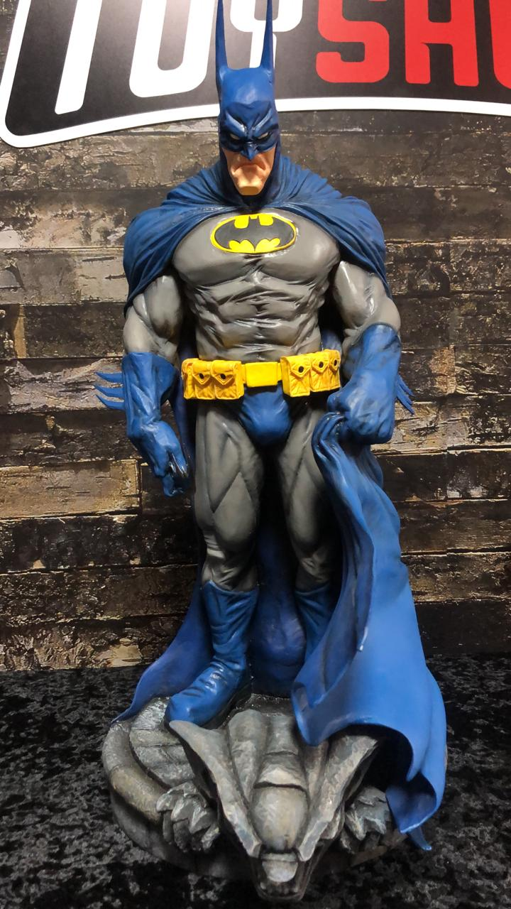 Estátua Batman (Neighborhood Watch): DC Comics