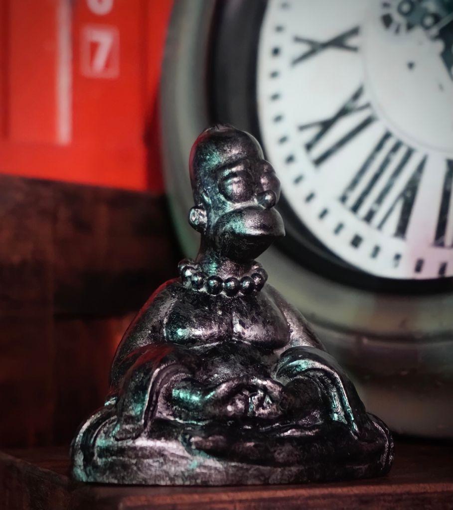Estátua Buda Homer Prateado: Os Simpsons