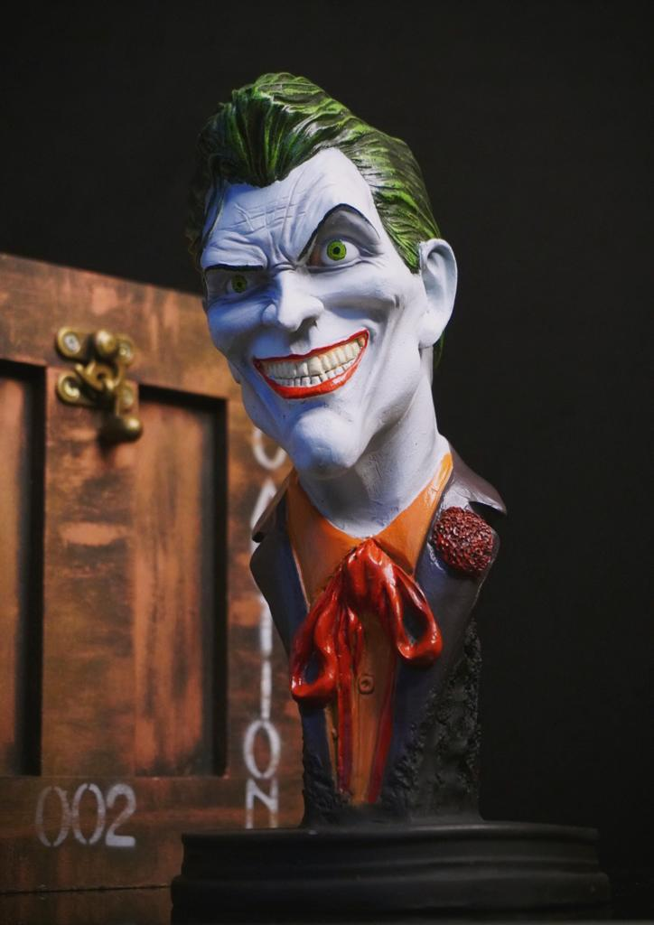 Estátua Busto Coringa Joker Sorrindo Smiling HQ DC Comics