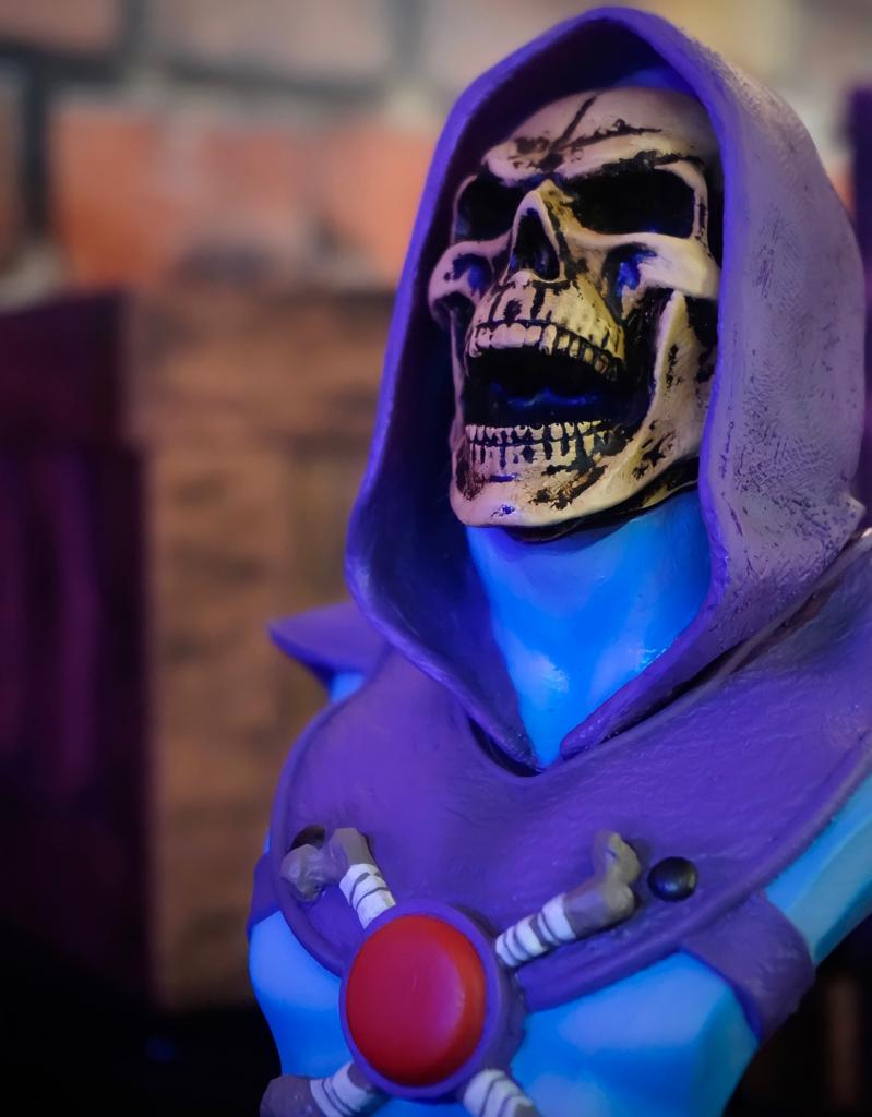 Estátua Busto Esqueleto Skeletor Boca Aberta: He-Man e os Mestres do Universo Master of the Universe