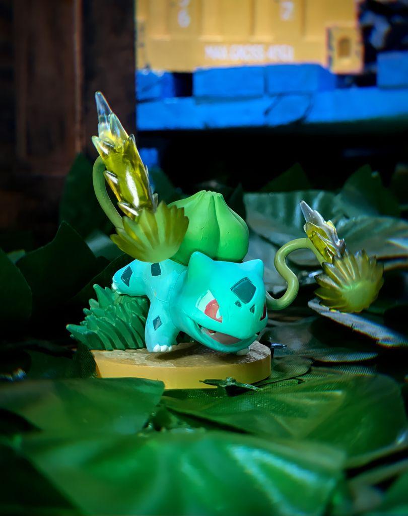 Estátua Colecionável Bulbasaur: Pokémon - EVALI