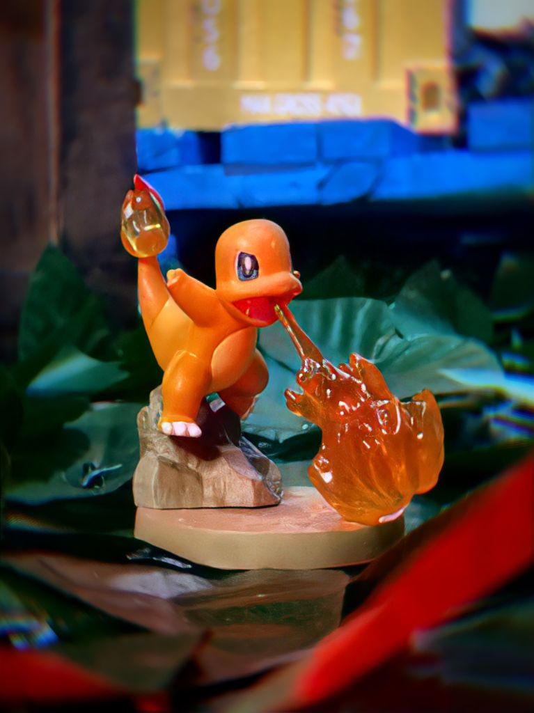 Estátua Colecionável Charmander: Pokémon - EVALI