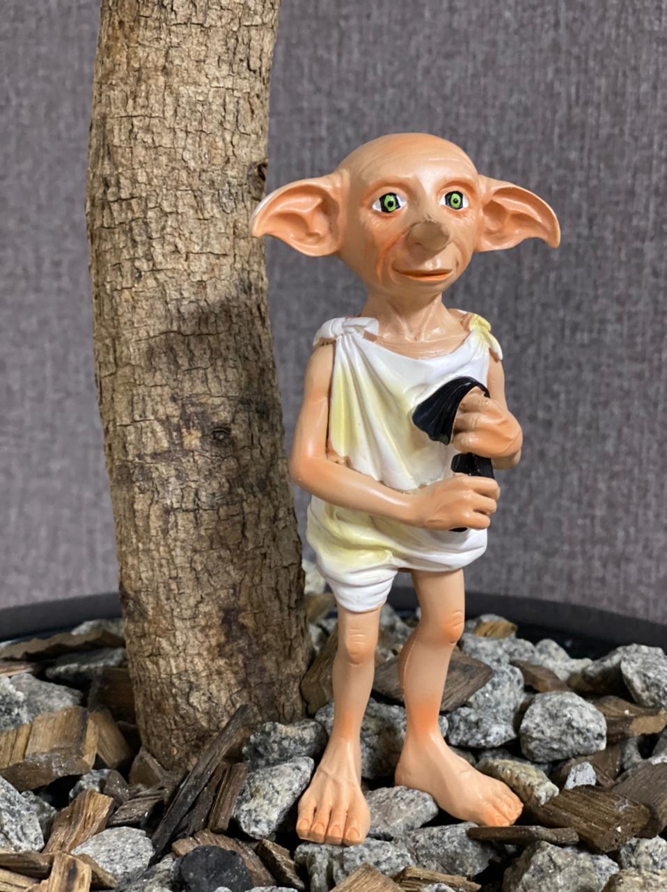 Estátua Colecionável Dobby com a Meia: Harry Potter - EV