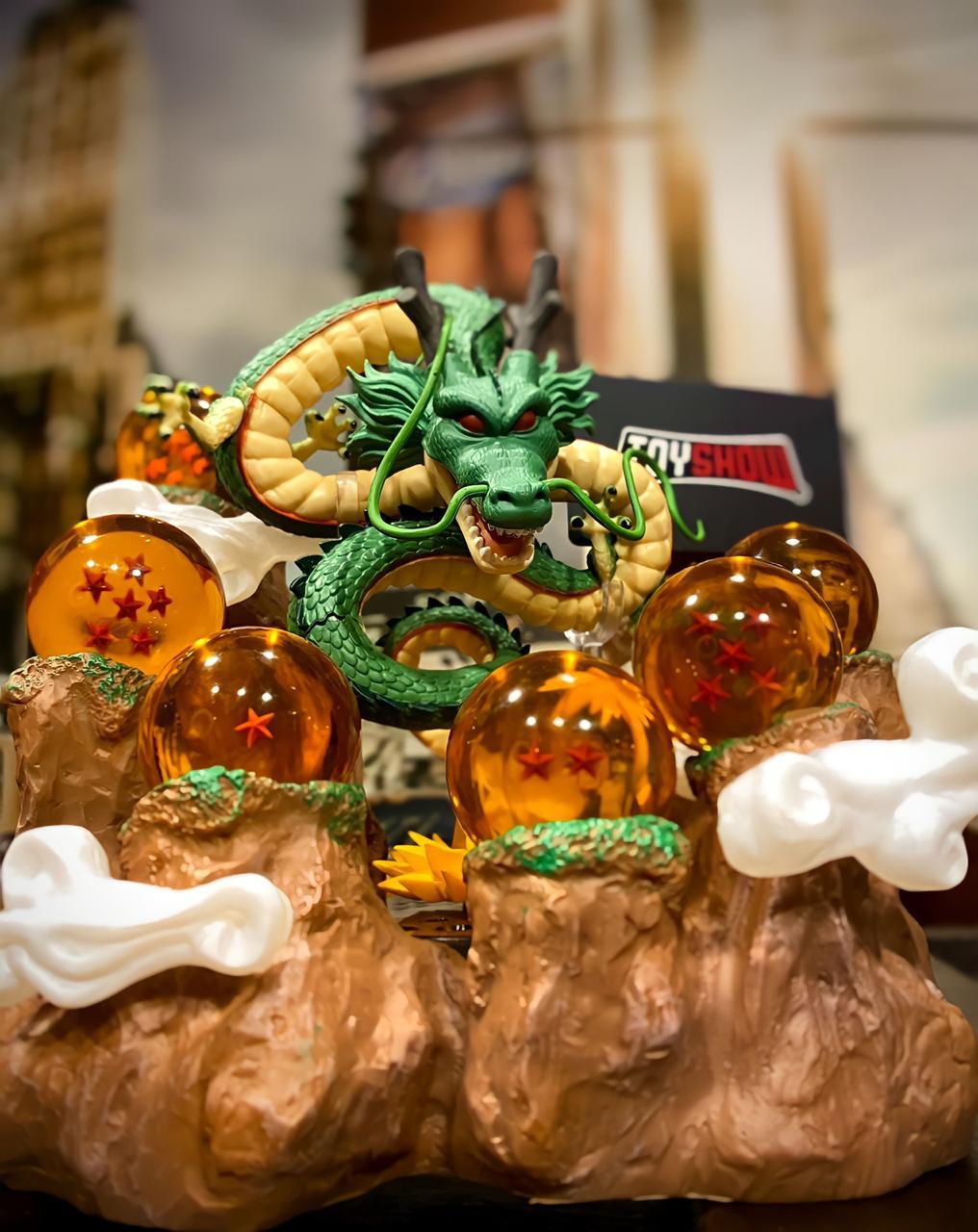 Estátua Com Diorama Shenlong e Esferas do Dragão: Dragon Ball Z