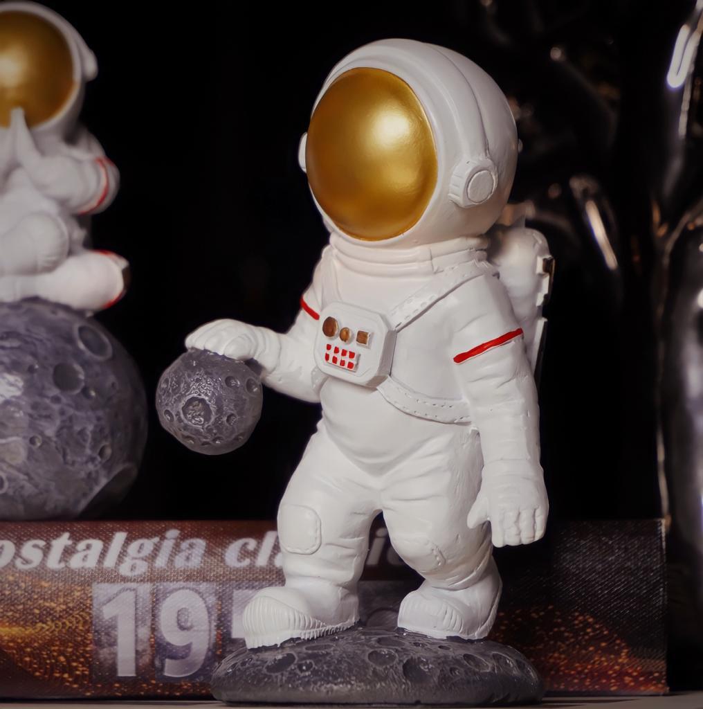 Estátua Decorativa Astronauta Nasa