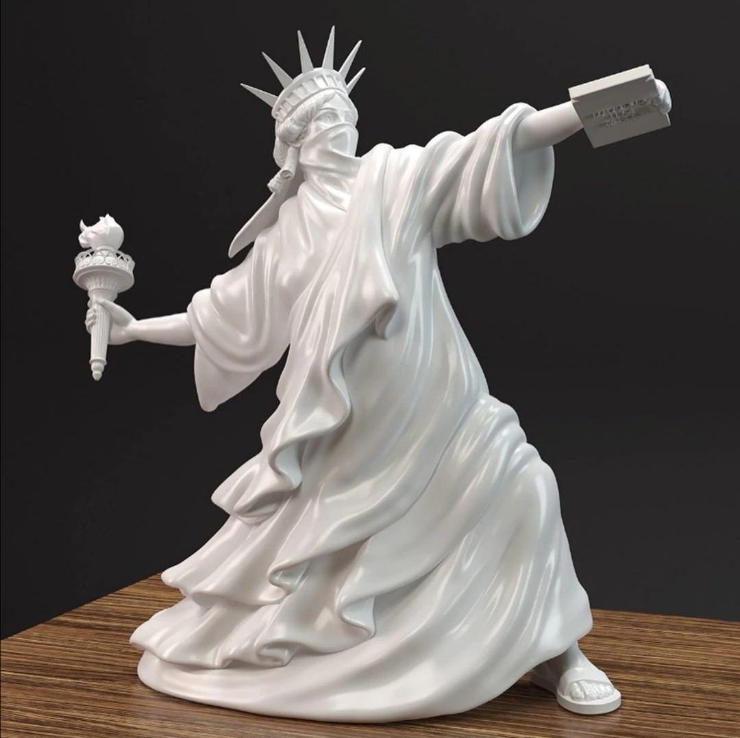 Estátua Escultura Arte Moderna Estátua da Liberdade Banksy Branca - EV