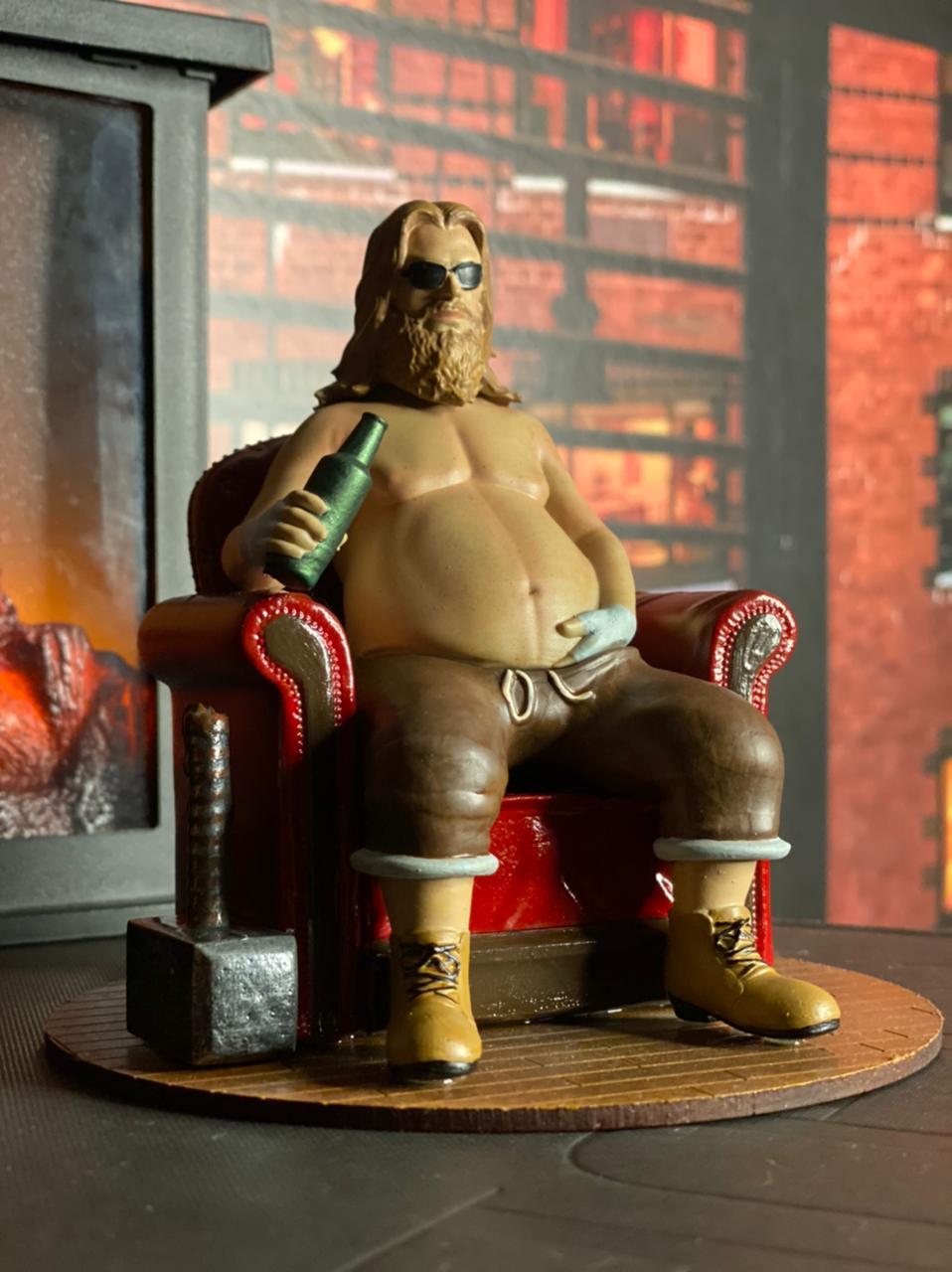 Estátua Fat Thor 1/10 Fanatic Studios Thor Gordo - EV