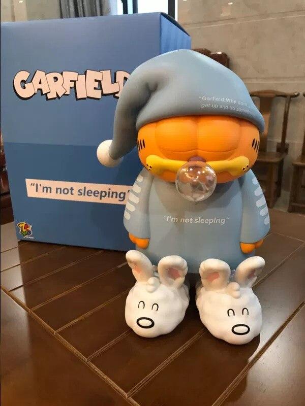 Estátua Garfield de Pijama I'm Not Sleeping Eu Não Estou Dormindo (50cm) - ZC World - ET