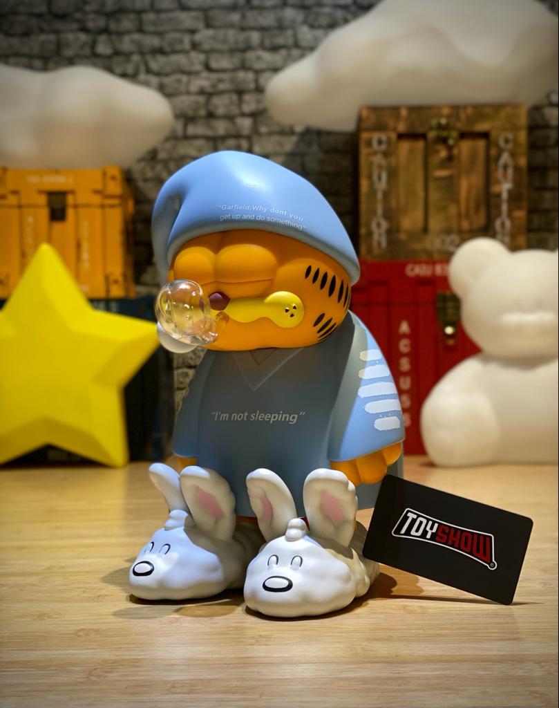 Estátua Garfield de Pijama I'm Not Sleeping Eu Não Estou Dormindo Escala 1/4 - ZC World - ET