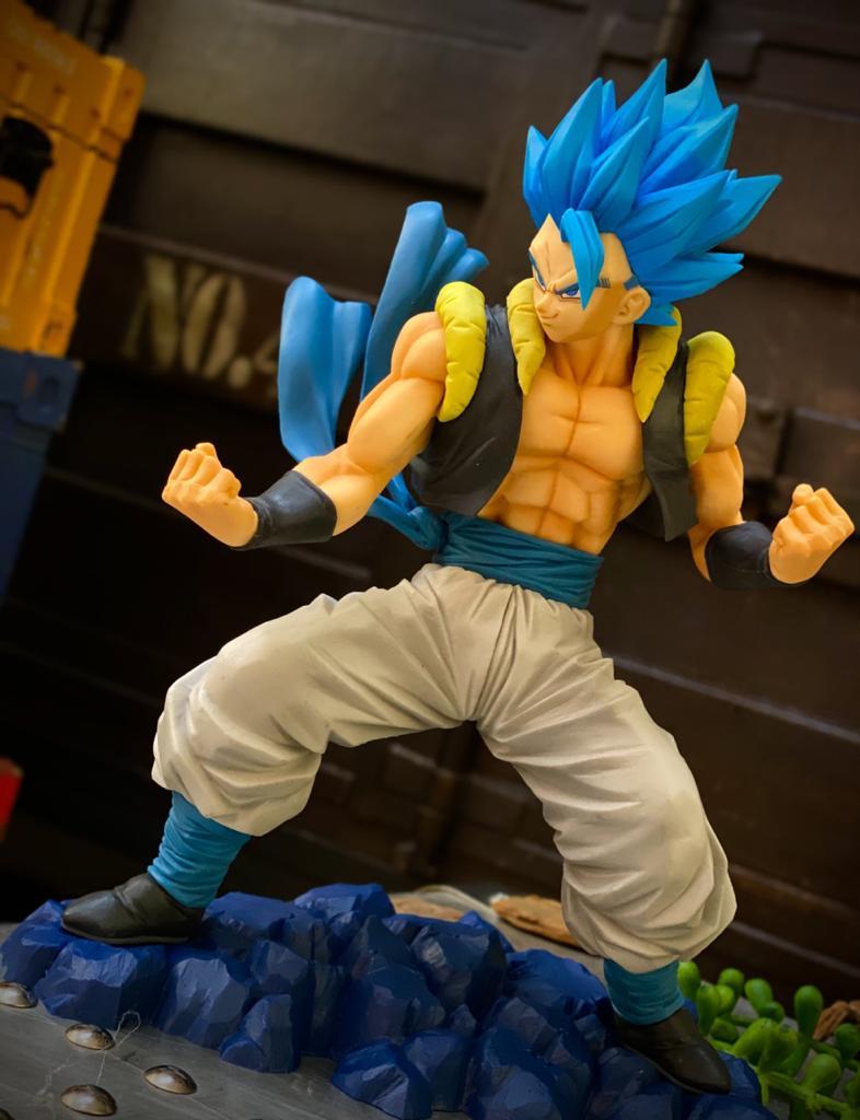 Estátua Gogeta Super Saiyan God (Diorama): Dragon Ball Super (5th Dokkan Battle Anniversary) - Banpresto Bandai