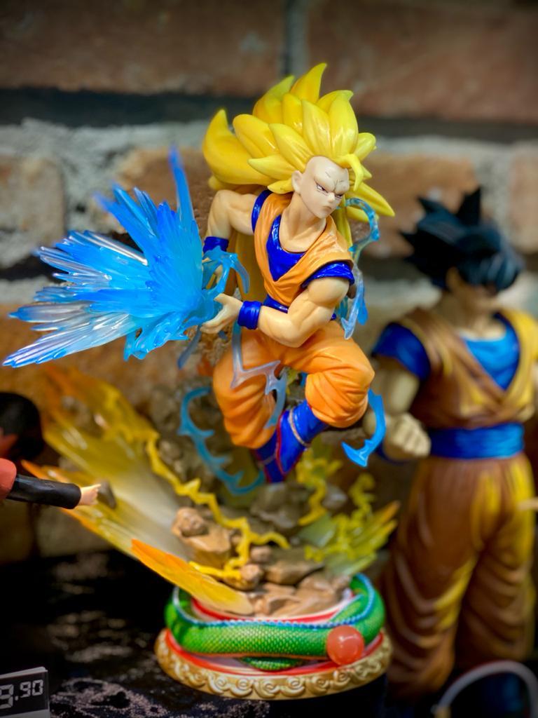 Estátua Goku Super Saiyajin (4 Rostos): Dragon Ball Z - Anime Mangá (BLISTER)
