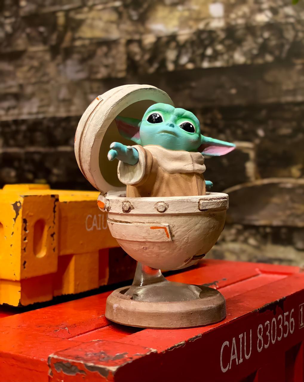 Estátua Grogu Baby Yoda no Bercinho: O Mandaloriano The Mandalorian Star Wars - EV