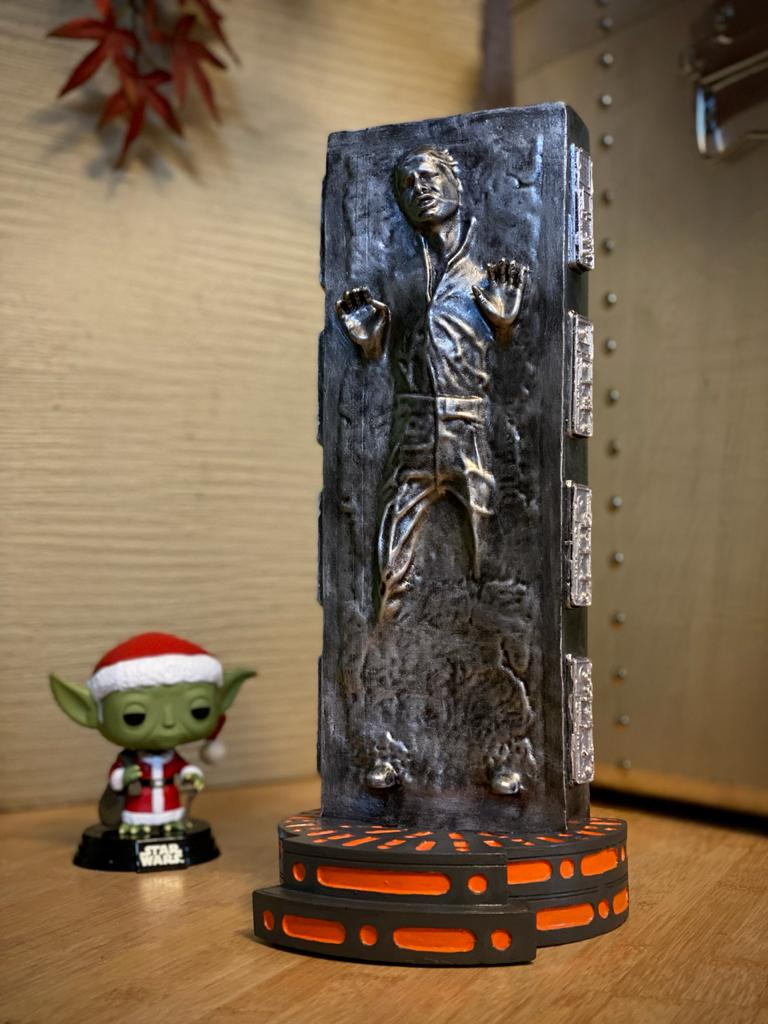 Estátua Han Solo em Carbonite: Star Wars (Escala 1/6) - Fanatic Studios