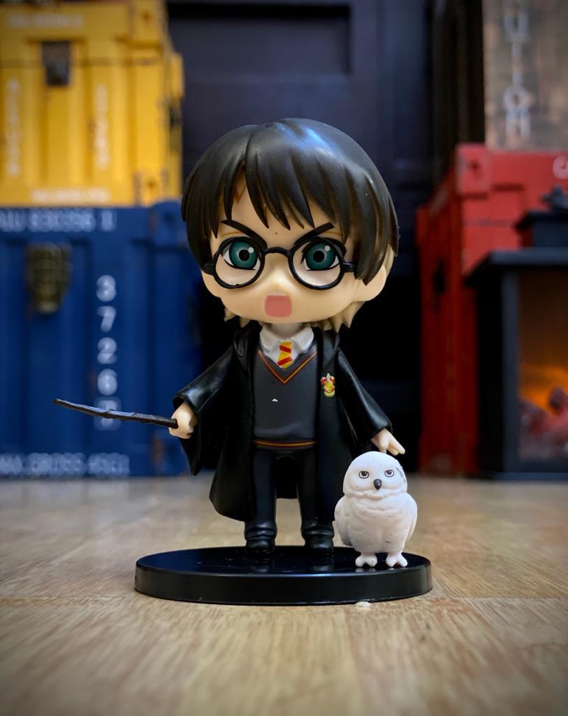 Estátua Harry Potter e Edwiges (Qposket): Harry Potter