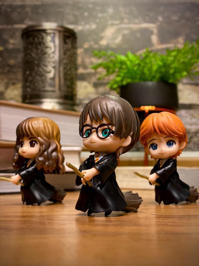 Estátua Harry Potter e Vassoura Mágica (Qposket): Harry Potter - EV