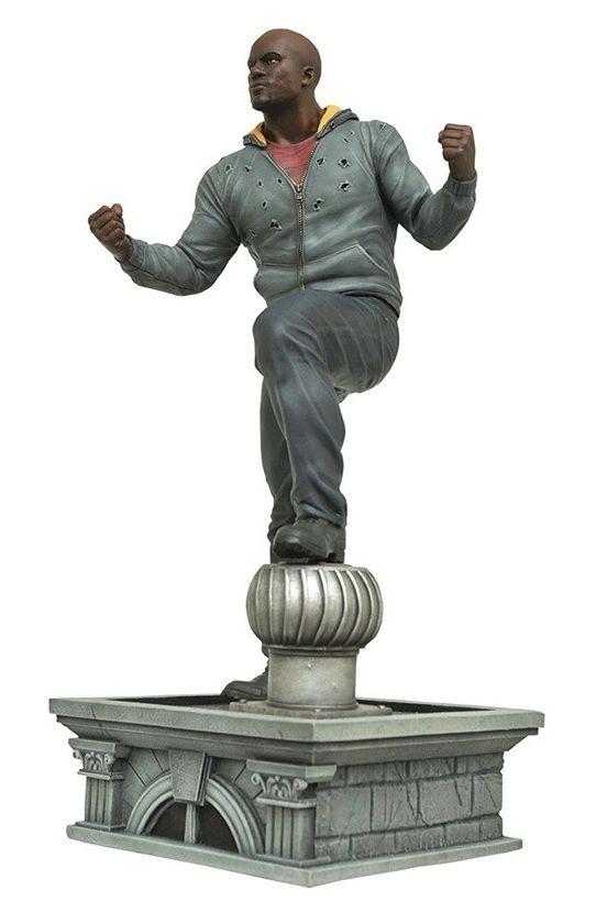 Estátua Luke Cage: Os Defensores (The Defenders) Marvel Gallery - Diamond Select