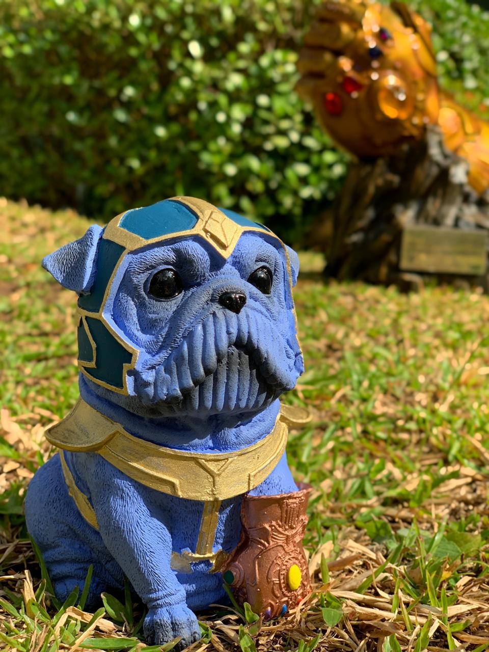 Estátua Pet Heroes Thanos: Vingadores (Avengers)