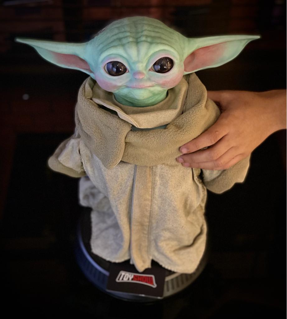 Estátua Réplica Grogu Baby Yoda The Child Life-Size: The Mandalorian Star Wars Disney+  Escala: 1/1 - Sideshow