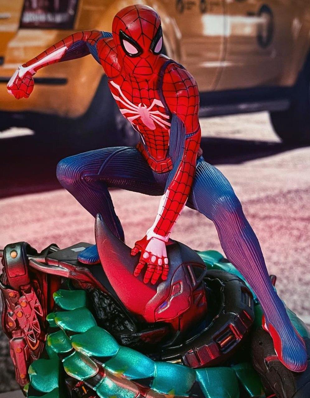 Estátua Spider-Man Homem Aranha Marvel
