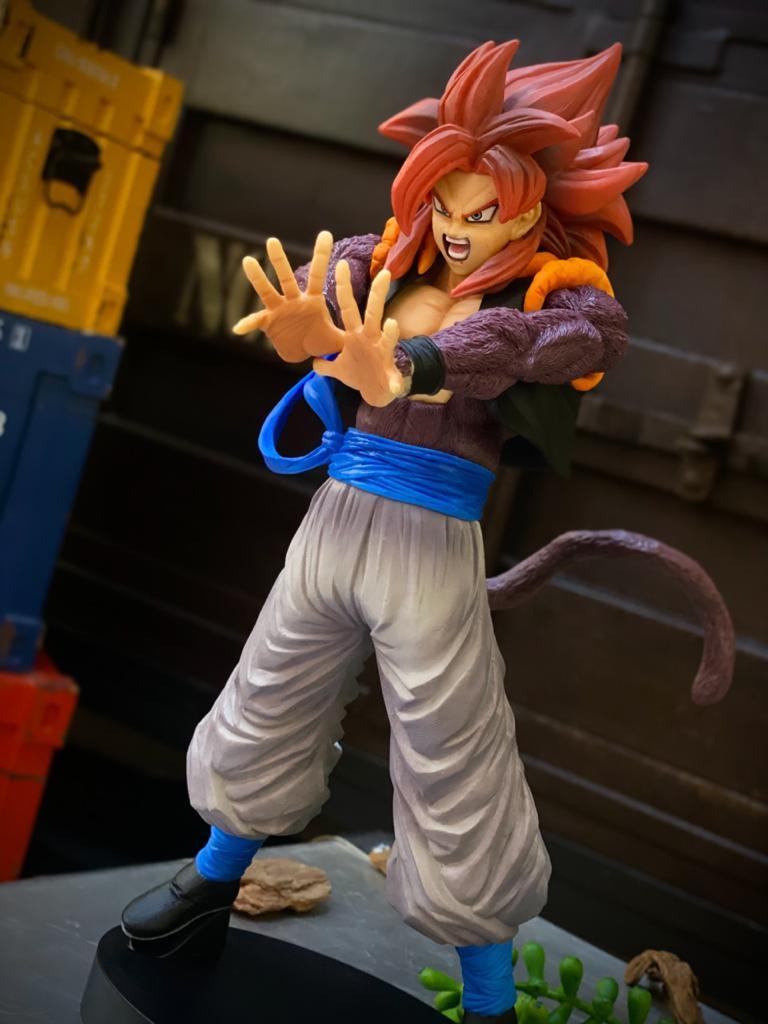 Estátua Super Saiyan 4 Gogeta: Dragon Ball Z - Banpresto Bandai
