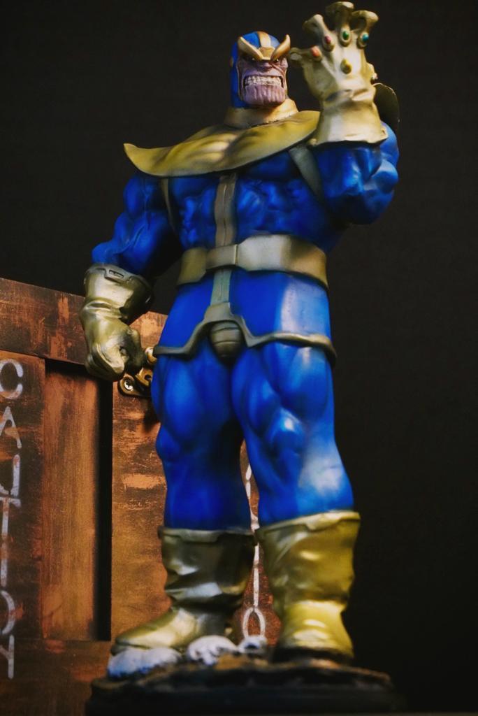Estátua Thanos Clássico HQ Marvel Comics 35 cm