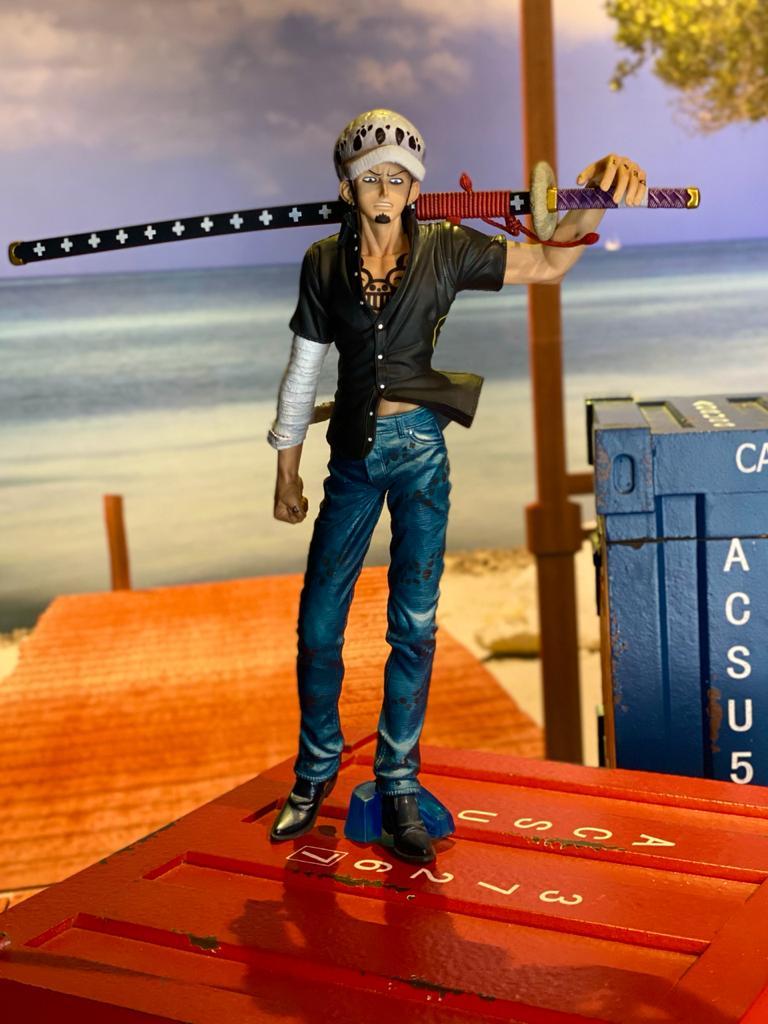 Estátua Trafalgar Law (Big Size): One Piece (Boneco Colecionável) - Banpresto
