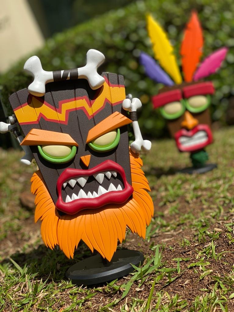 Estátua Uka Uka: Crash Bandicoot