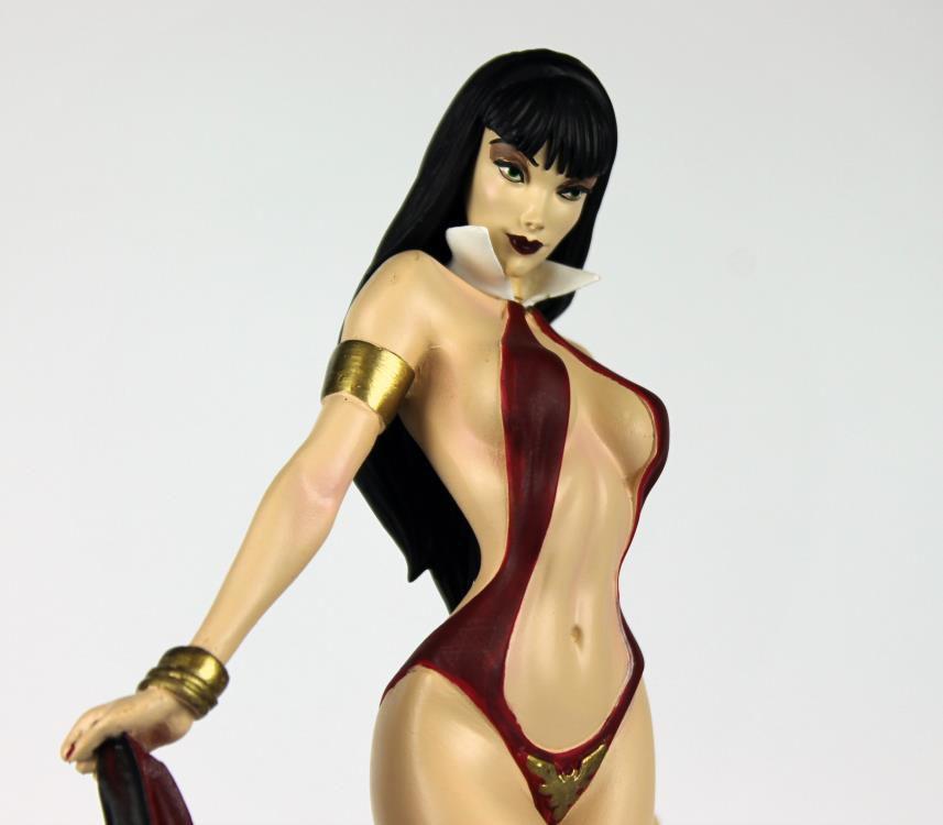 Estátua Vampirella: Women of Dynamite (First Production Run) - Dynamite Entertainment