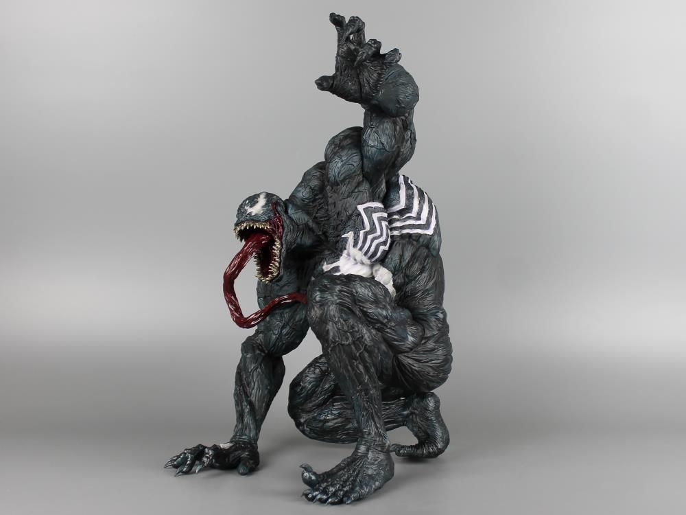 Estátua Venom: Massive Soft Vinyl Escala 1/5 - Sofbinal