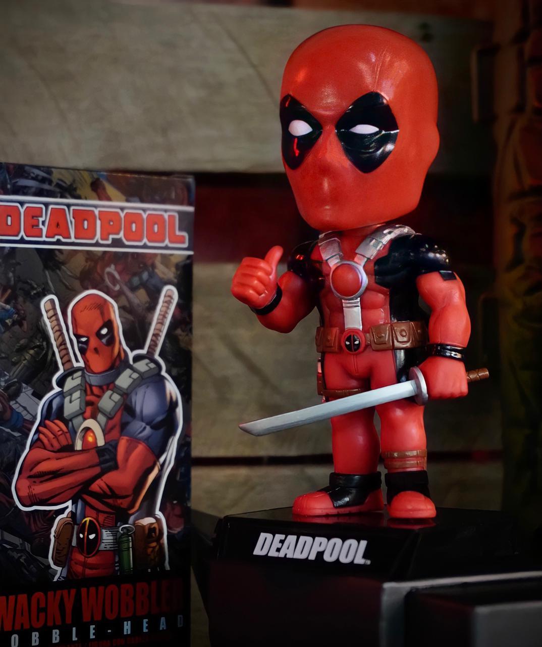 Estátua Wacky Wobbler Deadpool: Marvel Comics Bubble-Head - Funko