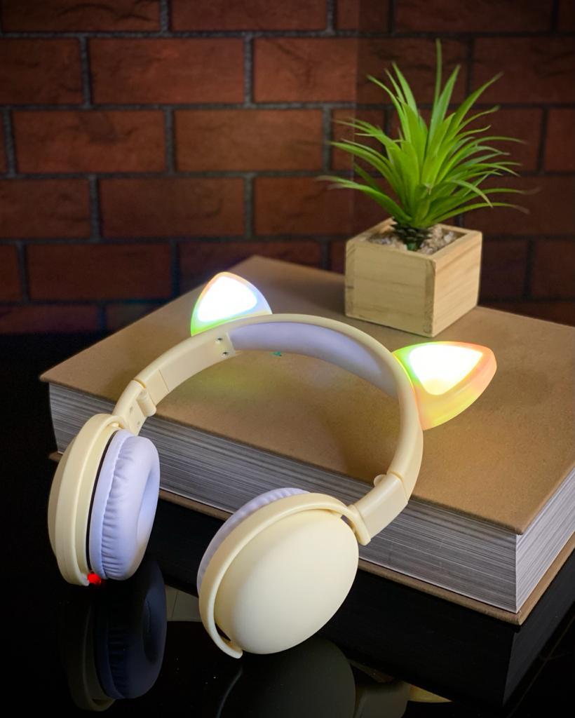 Fone de Ouvido Headphones Wireless Sem Fio Com Led Orelha de Gato - Amarelo