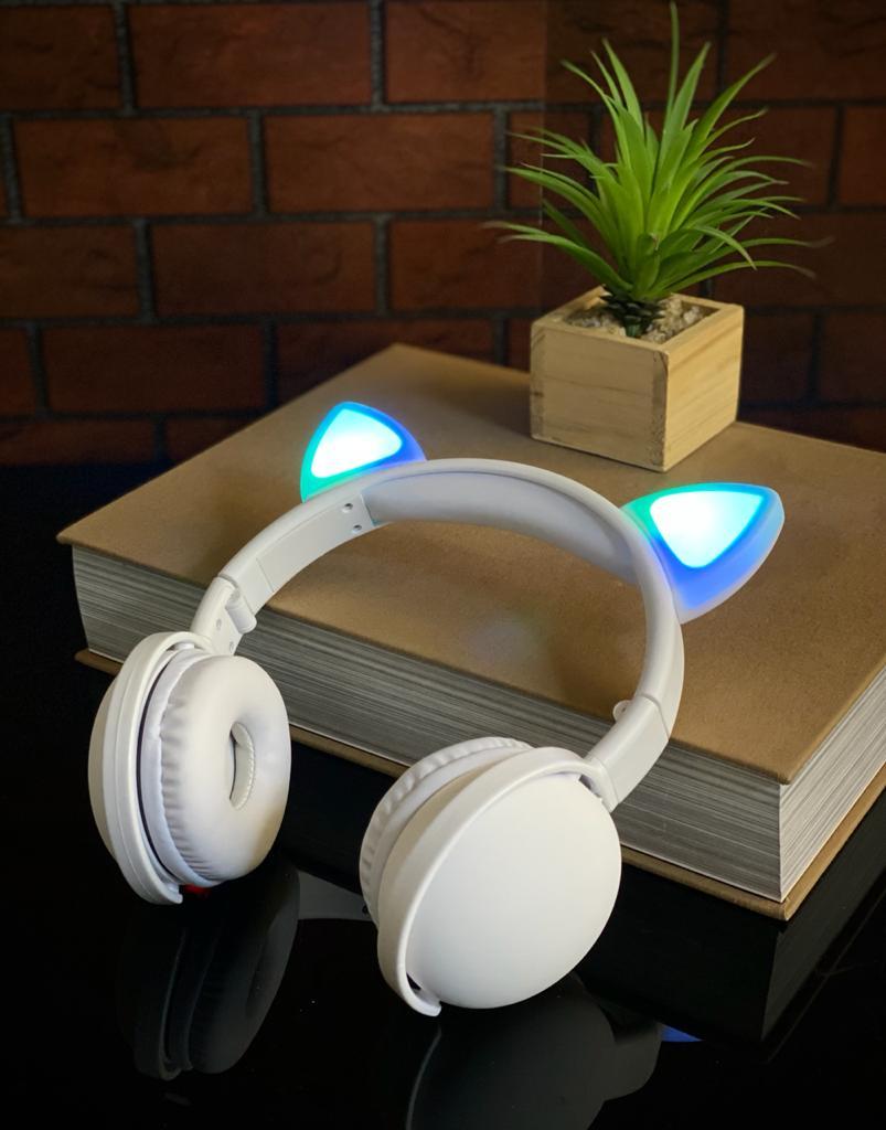 Fone de Ouvido Headphones Wireless Sem Fio Com Led Orelha de Gato - Branco