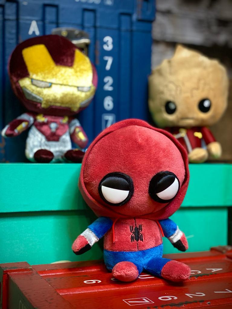 Funko Pelúcia Homem-Aranha (Spider-Man Homemade Suit) Hero Plushies: Homem-Aranha De Volta ao Lar (Homecoming) - Funko