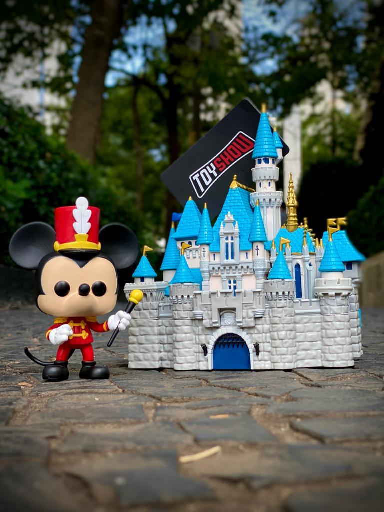 Funko Pop! Castelo das Princesas e Mickey Mouse (Sleeping Beauty Castle and Mickey Mouse) (Aniversário 65 Anos) #21 - Funko